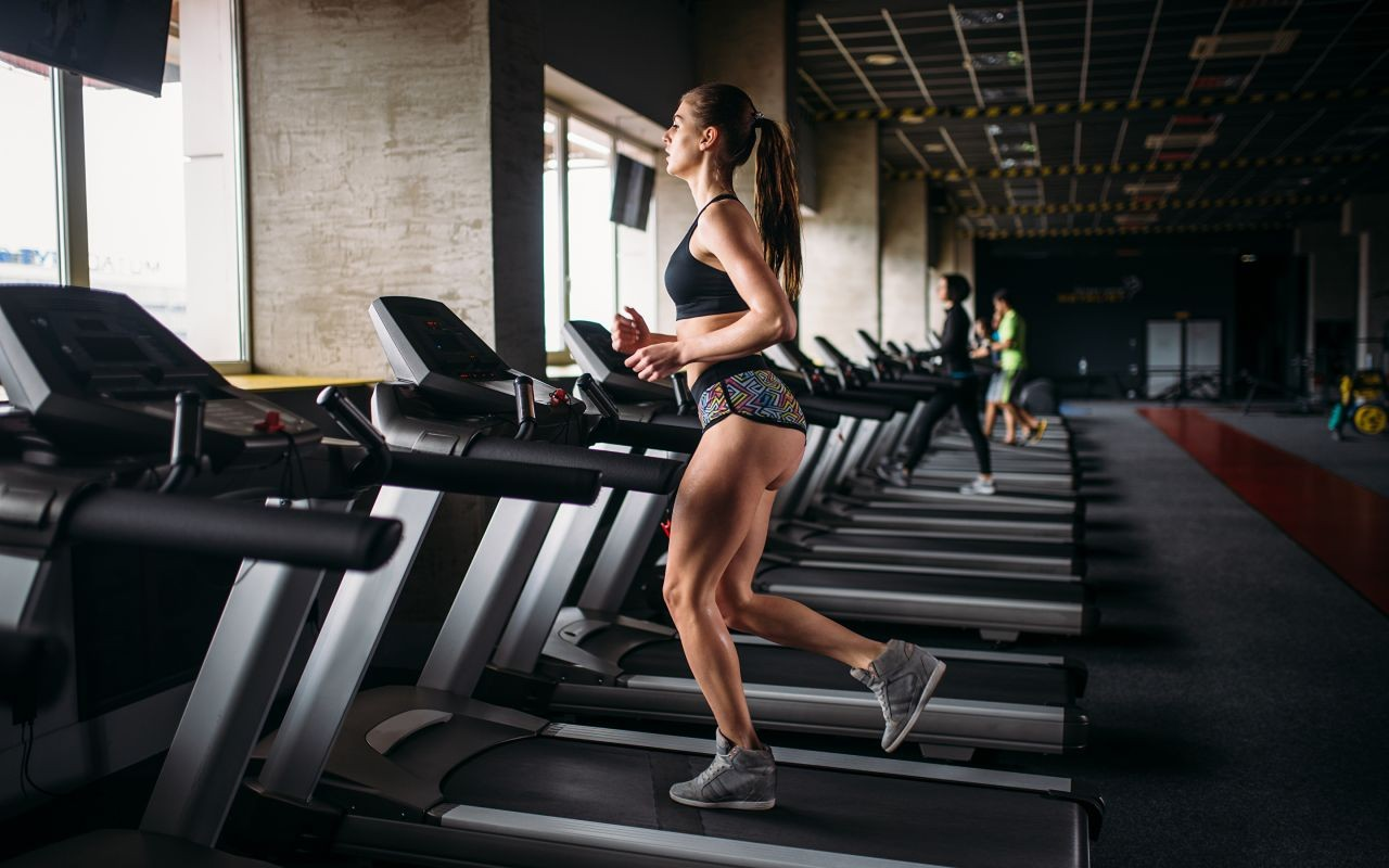Fitness_Brown_haired_Workout_Run_548361_2880x1800