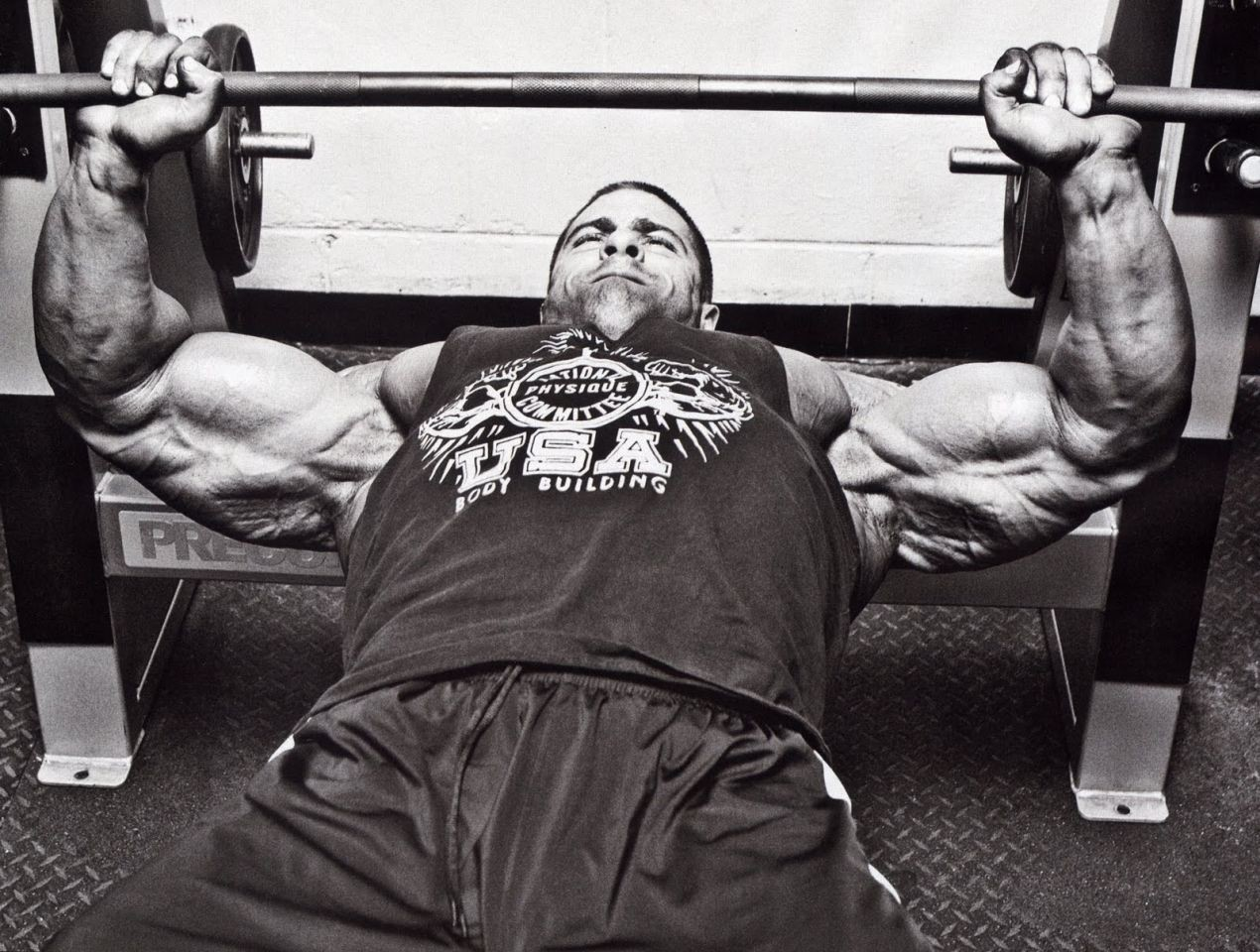 Grip width in the bench press. How to choose.